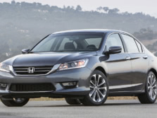 2015-Honda-Accord-Front-Quarter-122-1500x1000.jpg