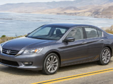 2015-Honda-Accord-Front-Quarter-123-1500x1000.jpg
