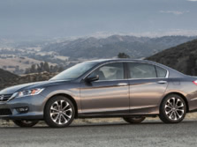 2015-Honda-Accord-Front-Quarter-125-1500x1000.jpg