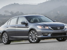 2015-Honda-Accord-Front-Quarter-131-1500x1000.jpg