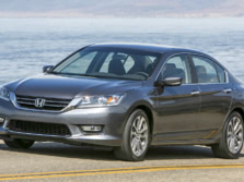 2015-Honda-Accord-Front-Quarter-133-1500x1000.jpg