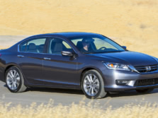 2015-Honda-Accord-Front-Quarter-137-1500x1000.jpg