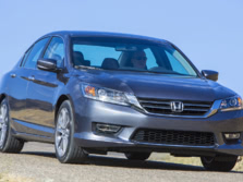 2015-Honda-Accord-Front-Quarter-138-1500x1000.jpg