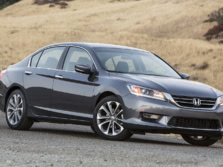 2015-Honda-Accord-Front-Quarter-143-1500x1000.jpg