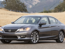 2015-Honda-Accord-Front-Quarter-145-1500x1000.jpg
