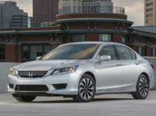 2015-Honda-Accord-Front-Quarter-1500x1000.jpg