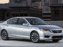2015-Honda-Accord-Front-Quarter-2-1500x1000.jpg