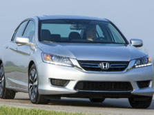 2015-Honda-Accord-Front-Quarter-21-1500x1000.jpg