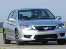 2015-Honda-Accord-Front-Quarter-22-1500x1000.jpg