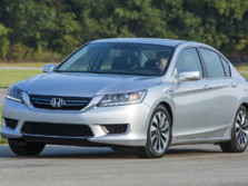 2015-Honda-Accord-Front-Quarter-23-1500x1000.jpg