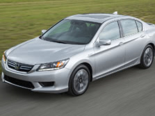 2015-Honda-Accord-Front-Quarter-24-1500x1000.jpg