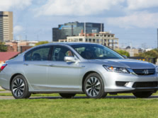 2015-Honda-Accord-Front-Quarter-25-1500x1000.jpg