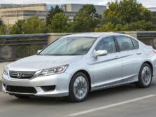 2015-Honda-Accord-Front-Quarter-27-1500x1000.jpg