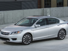 2015-Honda-Accord-Front-Quarter-3-1500x1000.jpg