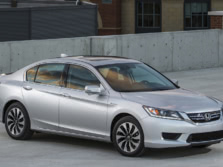 2015-Honda-Accord-Front-Quarter-4-1500x1000.jpg