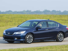 2015-Honda-Accord-Front-Quarter-48-1500x1000.jpg