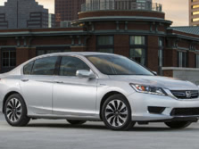 2015-Honda-Accord-Front-Quarter-5-1500x1000.jpg