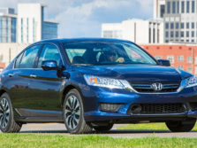 2015-Honda-Accord-Front-Quarter-55-1500x1000.jpg