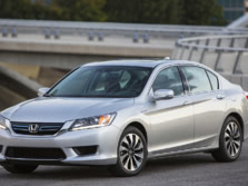 2015-Honda-Accord-Front-Quarter-6-1500x1000.jpg