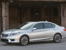 2015-Honda-Accord-Front-Quarter-7-1500x1000.jpg