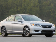 2015-Honda-Accord-Front-Quarter-8-1500x1000.jpg