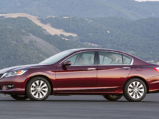 2015-Honda-Accord-Front-Quarter-92-1500x1000.jpg