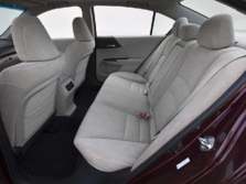 2015-Honda-Accord-Rear-Interior-6-1500x1000.jpg
