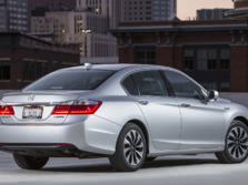 2015-Honda-Accord-Rear-Quarter-1500x1000.jpg