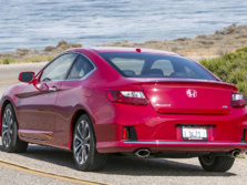 2015-Honda-Accord-Rear-Quarter-22-1500x1000.jpg