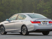 2015-Honda-Accord-Rear-Quarter-3-1500x1000.jpg
