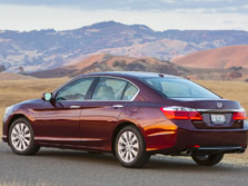 2015-Honda-Accord-Rear-Quarter-34-1500x1000.jpg