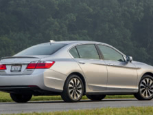 2015-Honda-Accord-Rear-Quarter-4-1500x1000.jpg