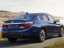 2015-Honda-Accord-Rear-Quarter-41-1500x1000.jpg
