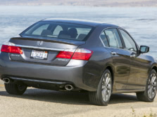 2015-Honda-Accord-Rear-Quarter-46-1500x1000.jpg