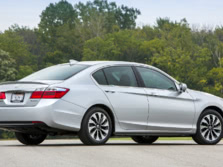 2015-Honda-Accord-Rear-Quarter-5-1500x1000.jpg