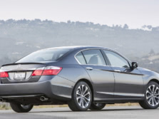 2015-Honda-Accord-Rear-Quarter-51-1500x1000.jpg
