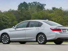 2015-Honda-Accord-Rear-Quarter-6-1500x1000.jpg