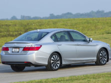 2015-Honda-Accord-Rear-Quarter-8-1500x1000.jpg