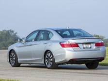 2015-Honda-Accord-Rear-Quarter-9-1500x1000.jpg