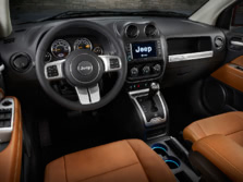 2015-Jeep-Compass-Interior-1500x1000.jpg