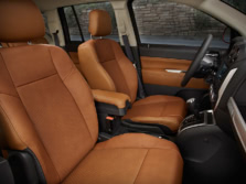 2015-Jeep-Compass-Interior-2-1500x1000.jpg