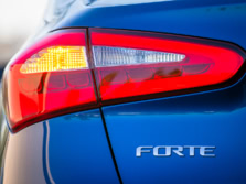 2015-Kia-Forte-Badge-3-1500x1000.jpg