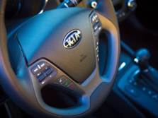 2015-Kia-Forte-Steering-Wheel-Detail-1500x1000.jpg