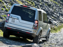 2015-Land-Rover-LR4-Rear-Quarter-5-1500x1000.jpg