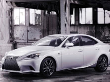 2015-Lexus-IS-Front-Quarter-20-1500x1000.jpg
