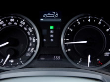 2015-Lexus-IS-Instrument-Panel-1500x1000.jpg