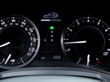 2015-Lexus-IS-Instrument-Panel-2-1500x1000.jpg