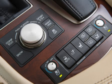 2015-Lexus-LS-Center-Console-5-1500x1000.jpg