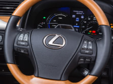 2015-Lexus-LS-Steering-Wheel-2-1500x1000.jpg