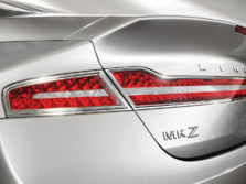 2015-Lincoln-MKZ-Badge-1500x1000.jpg